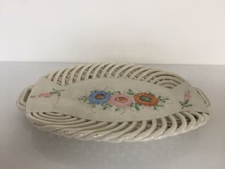 Bandeja de porcelana muy antigua