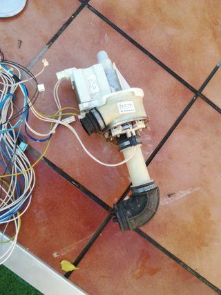 Kit bomba circulación lavavajillas Whirlpool ADP 4