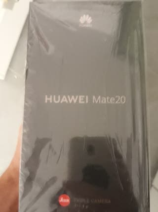 HUAWEI MATE 20 BLUE con HUAWEI P SMART CLACK