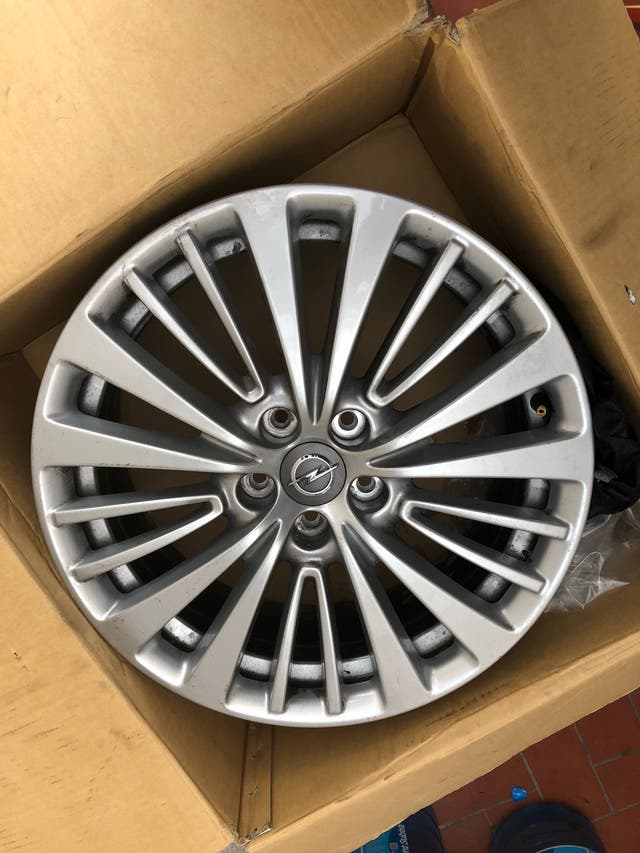 """Llantas de aluminio 18"""" (SUV)"""