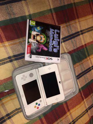New Nintendo 3ds blanca + Luigi mansión+ cargador