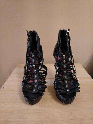 zapatos sandalias tacón con tiras marca IRON FIST