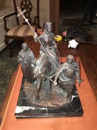 Escultura ISABEL LA CATÓLICA en bronce