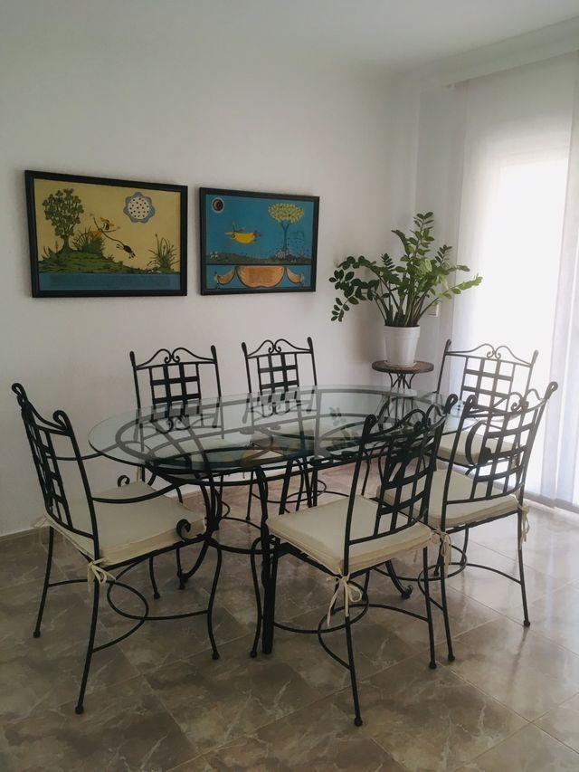 Juego de mesa comedor y 6 sillas de segunda mano por 99 € en Palau ...