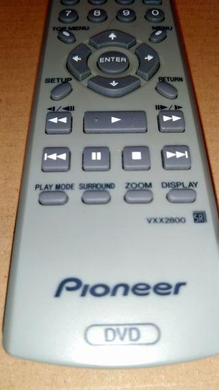 Mano a distancia DVD Pioneer.