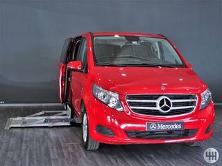 Mercedes-Benz V200 con PLATAFORMA ADAPTADA