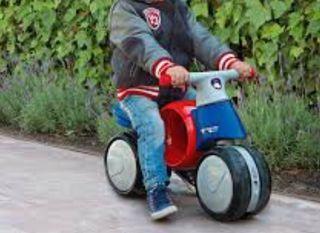 Moto correpasillos sin pedales Imaginarium