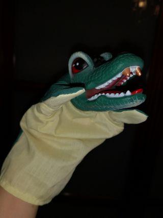 marioneta de mano de cocodrilo