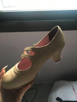 f8778244 Zapatos flamenco de segunda mano en Málaga en WALLAPOP
