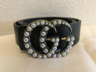 cinturon famoso negro