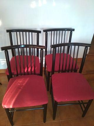 4 sillas de comedor.