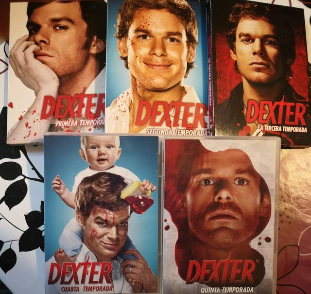 DEXTER, 5 temporadas en DVD original de segunda mano por 20 ...