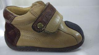 Zapatos botas de bebe Pablosky