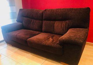 sofá muy bien conservado
