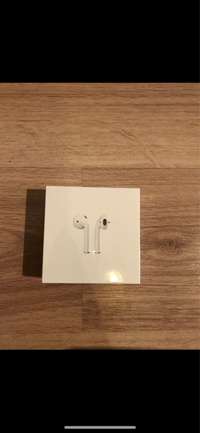 Apple AirPods Brand New Sealed