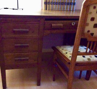 Mesa despacho vintage , regalo cuadros