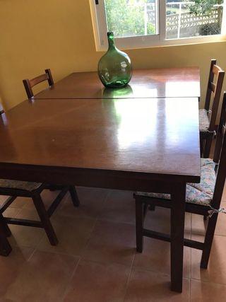 Mesa y 7 sillas