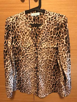 Camisa Calvin Klein leopardo