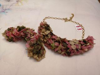 cinturón y peineta de flores preservadas