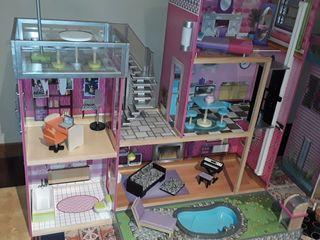 Casa de muñecas + muebles