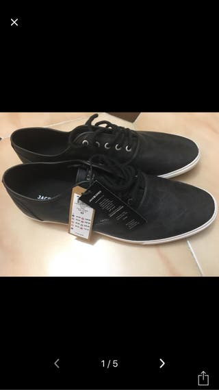 Zapatos jack&jones N43 nuevos