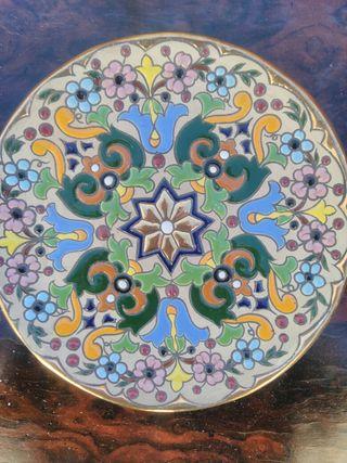 plato de ceramica sevillana