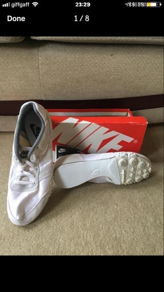 Nike track spikes size 7