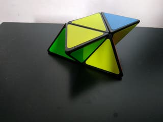 ShengShou Pyramorphix 2×2 Base Negra