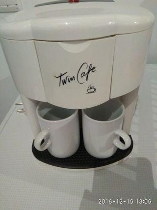cafetera y robot batidora, amasadora