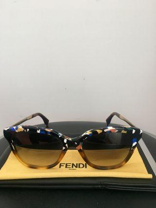 Gafas. Sunglasses. FENDI