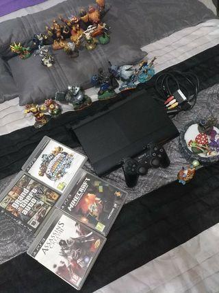PS3 120GB Ultra Slim+Mando+4 juegos