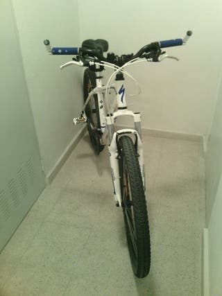 Bicicleta de montaña Specialez Myka de mujer