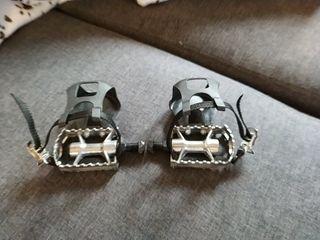 pedales con rastrales