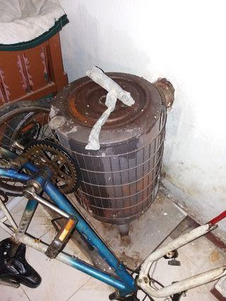 estufa de leña tiene 1 año y medio y valió 450 eur