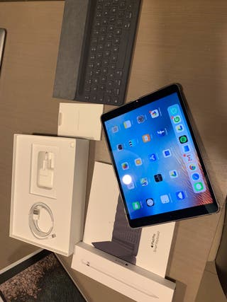 IPad Pro 10,5 de 256gb + Apple Pencil y smart Keyb