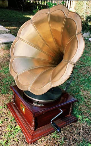 "Gramola ""His Master Voice"" 1920"