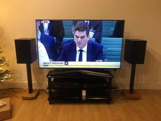 YARD SALE: TV Samsung 60 JU6800 6 Series SMART