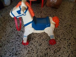 Juguete caballo de la marca chico.