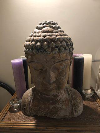 Grande Tête de Buddha en bois ancienne