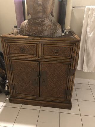 Meuble en bois , 2 portes 1 étagère