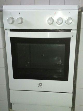 Cocina eléctrica BALAY.