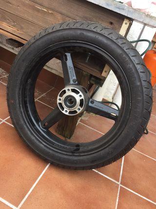 Llanta y neumático de Suzuki gsx 600