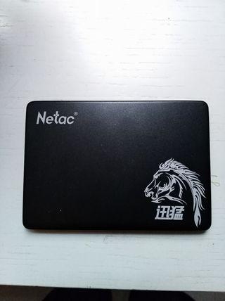 Dos Discos duro SSD