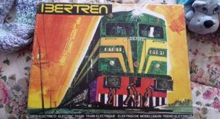 Tren Ibertren y maqueta.