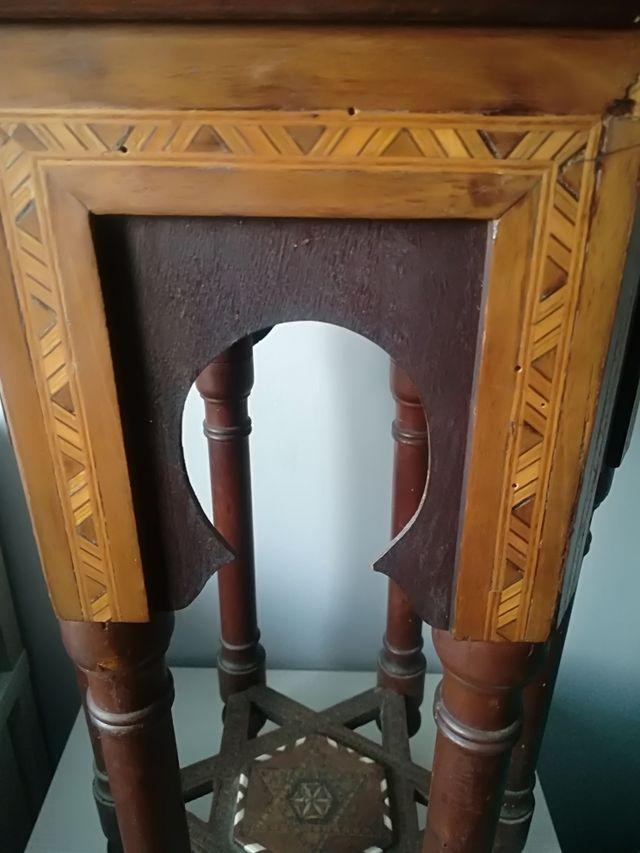 Mesa de te taracea granadina arabe siglo XVIII