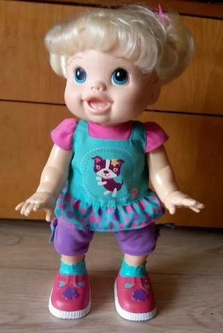 Juguete muñeca Martina aprende a hablar