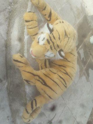 Muñeco de tigre