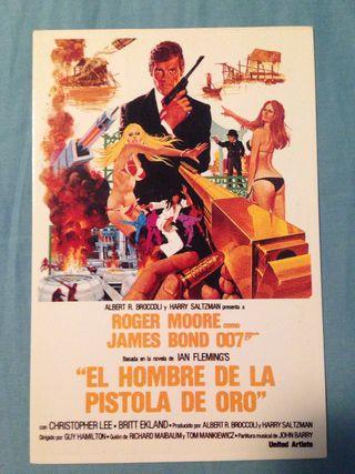 Postal 007: el hombre de la pistola de oro