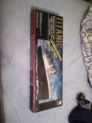 Maqueta de titanic para construir