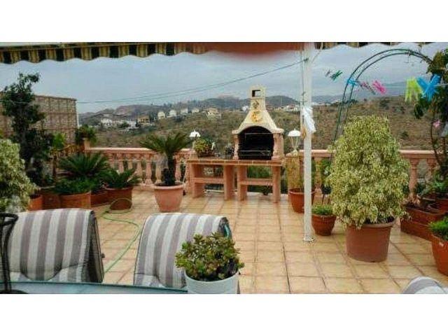 Casa adosada en venta en Rincón de la Victoria (Moclinejo, Málaga)